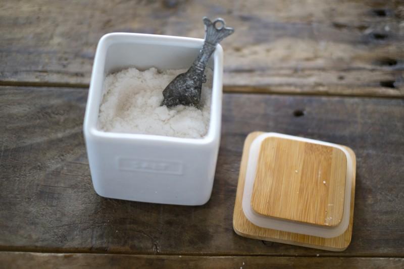 天然塩の写真